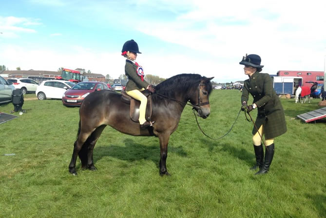 2015 Anchor gooseberry-Qualified RIHs M&M lead rein -Thanks Morgan and Zoe and all Team Nicoll